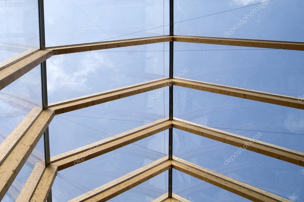 Tetto in legno e vetro foto stock fotografiche 97416280 for Tetto in vetro prezzi