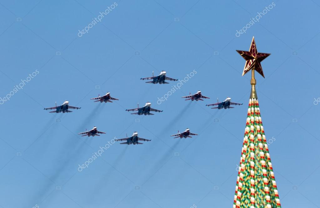 MOSCOW - MAY 9: Aerobatic demonstration team Swifts on Mig-29 an