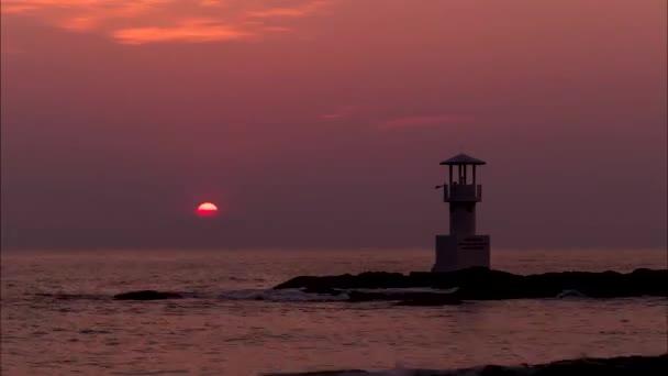 Západ slunce v oceánu, Khao Lak beach, časová prodleva.