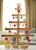 ručně vyráběné vánoční stromky a ozdoby