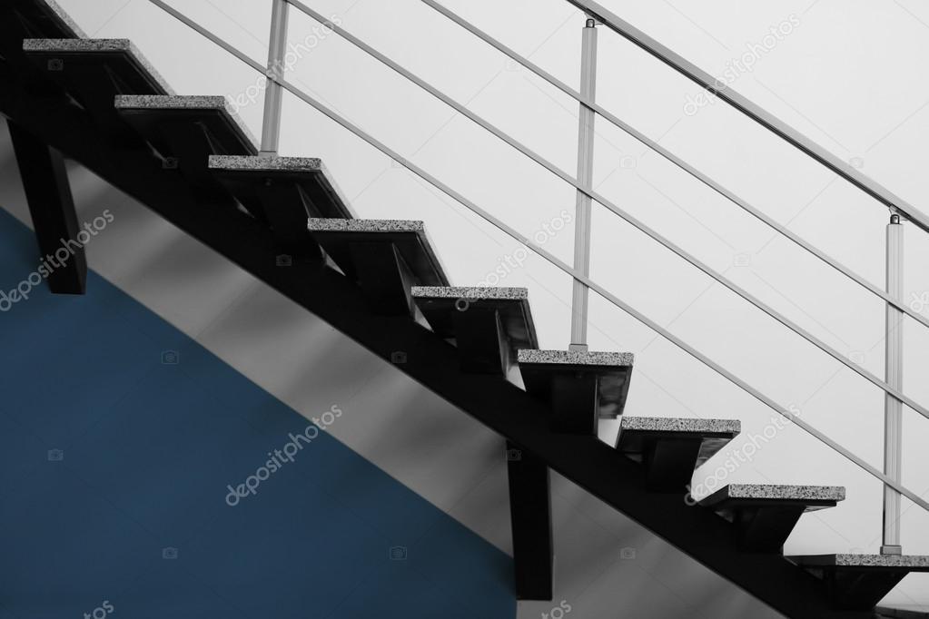 escaleras modernas de oficina foto de stock - Escaleras Modernas
