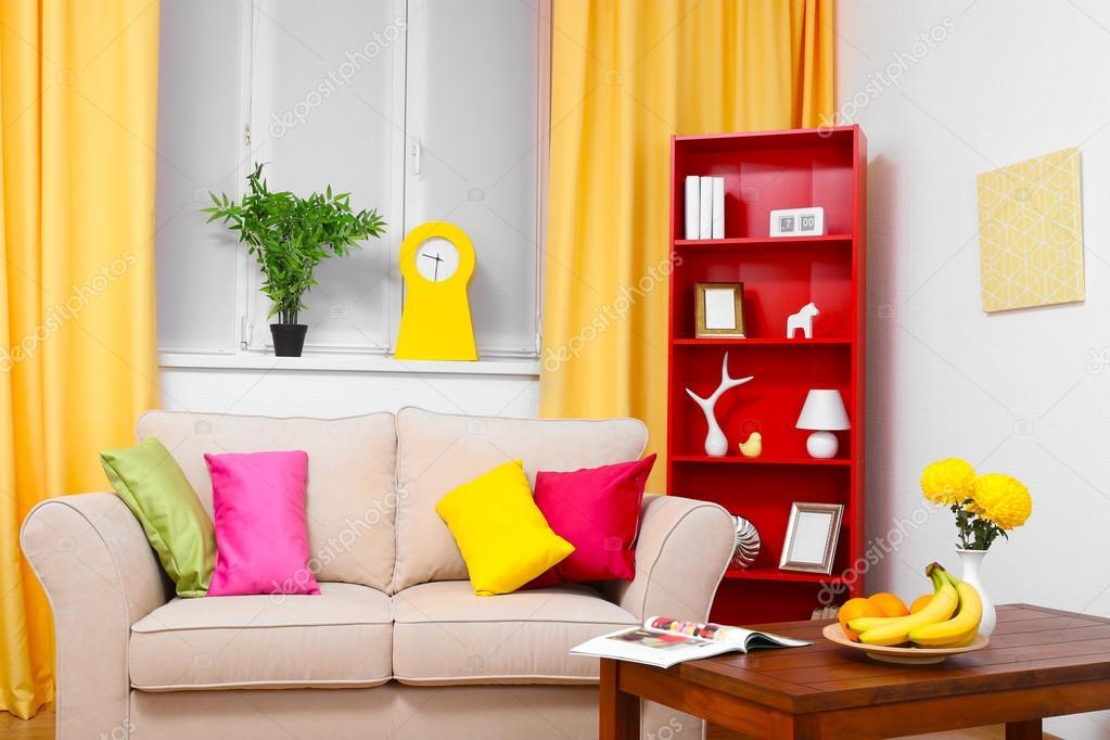 Modern interieur. woonkamer met sofa en boekenkast u2014 stockfoto