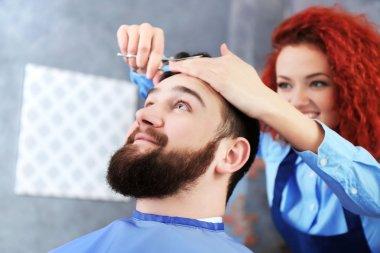 Man visit barber shop