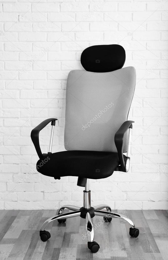 Nieuwe Bureau Stoel.Nieuwe Bureaustoel Stockfoto C Belchonock 110565648