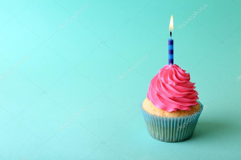 Bunte Geburtstag Cupcake Stockfoto C Belchonock 111835316