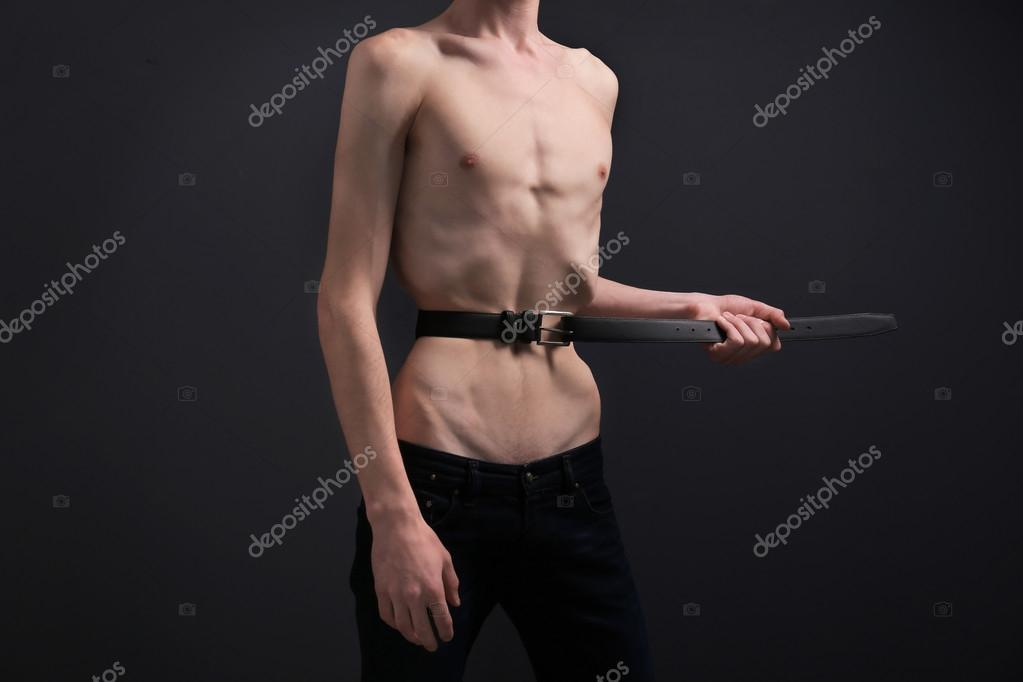 Homme Anorexique Photo jeune homme souffrant d'anorexie — photographie belchonock © #113537294