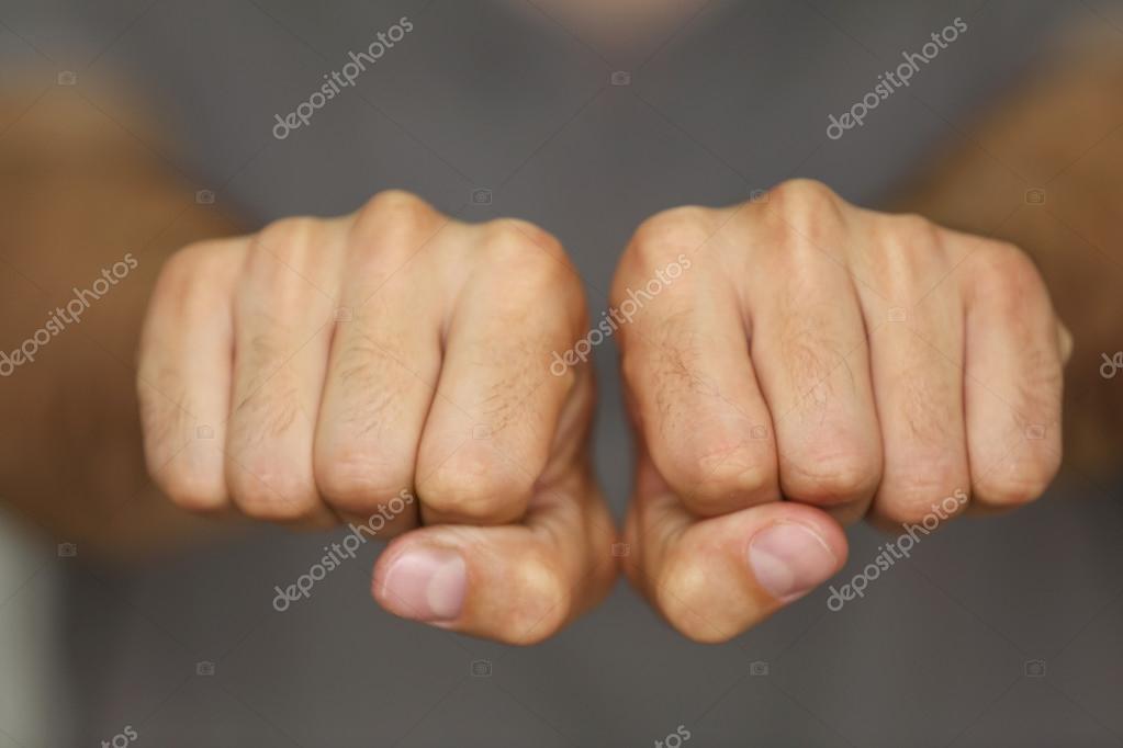 Człowieka Pięści Z Miejsca Na Tatuaż Zdjęcie Stockowe