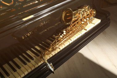 Piano and saxophone closeup