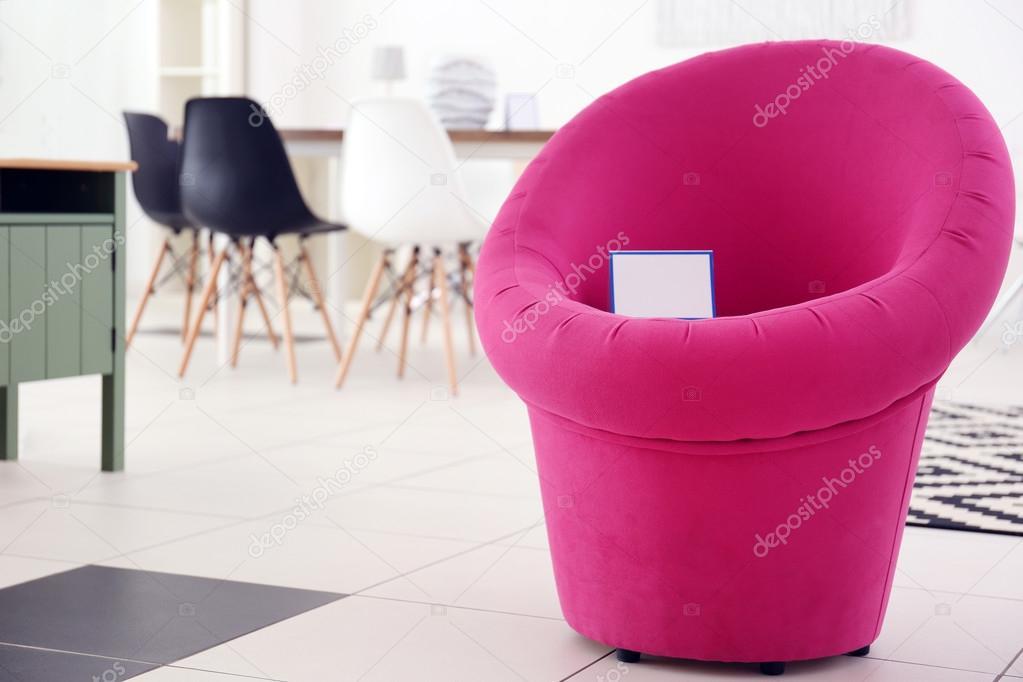 Stoel Te Koop : Moderne stoel te koop u stockfoto belchonock