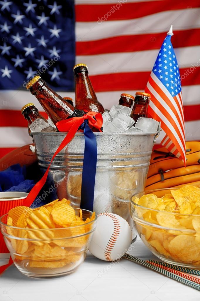 https://st2.depositphotos.com/1177973/12257/i/950/depositphotos_122577084-stock-photo-bucket-with-beer-bottles.jpg