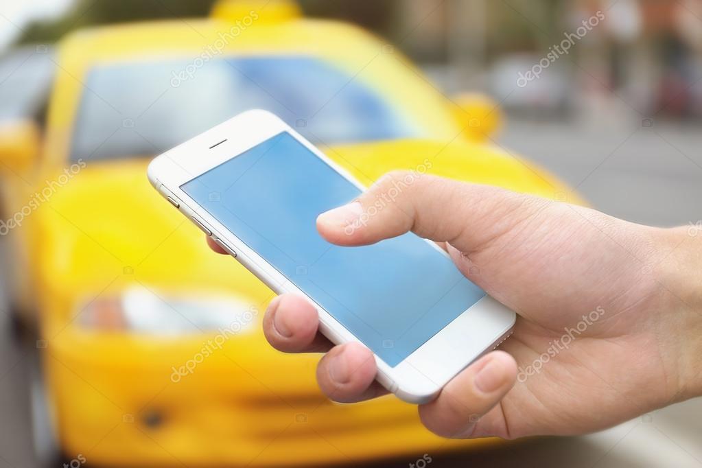 Resultado de imagem para taxi e celular