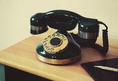 Fotografia Vecchio telefono sulla tabella