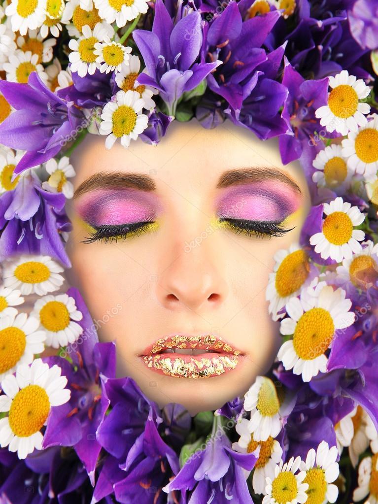 Gesicht der Frau mit Blumen Rahmen — Stockfoto © belchonock #53371997