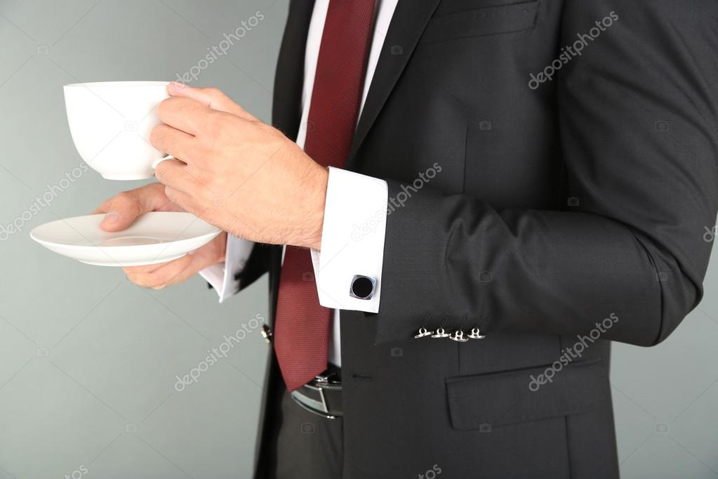"Expresa tu momento "" in situ "" con una imagen - Página 20 Depositphotos_55323047-stock-photo-man-in-black-suit-drinking"