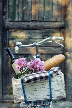 Bicycle with picnic snack