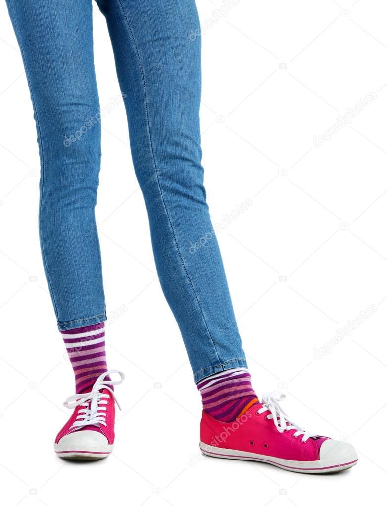 красивые ножки в кросовках и носочках