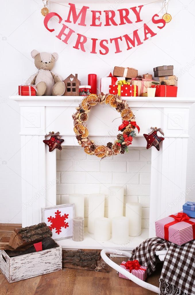 Dekorierte Weihnachten Kamin U2014 Stockfoto