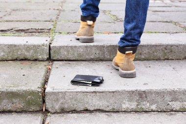 Lost wallet and walking legs