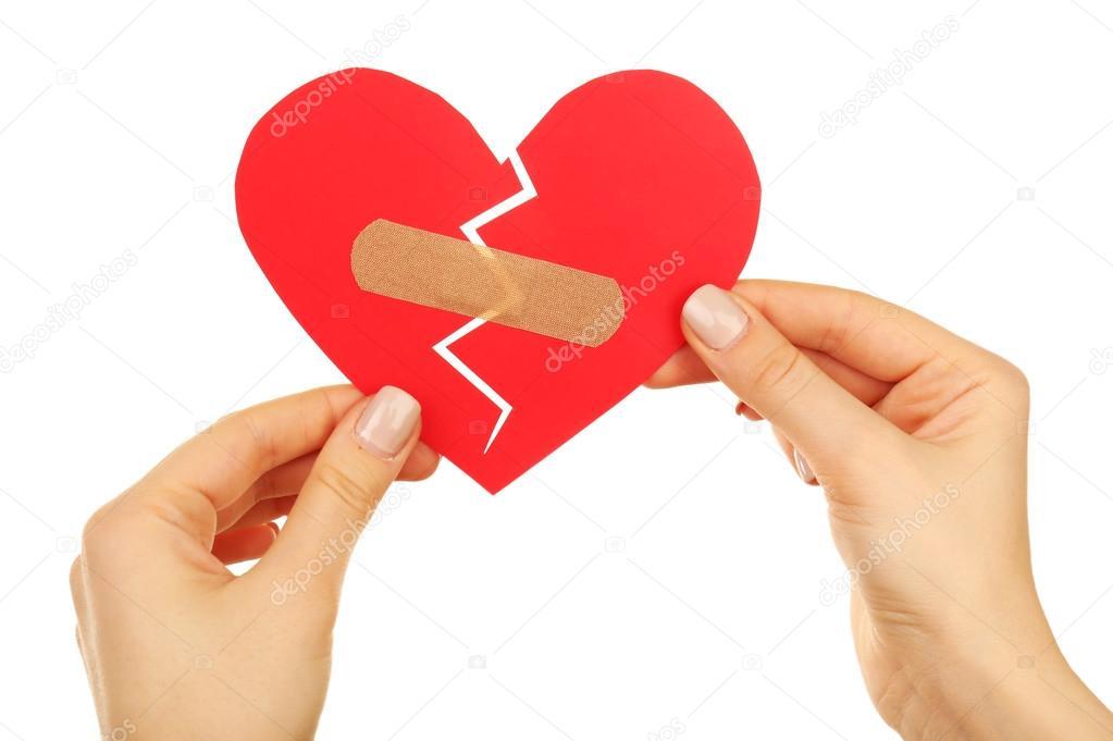 Mujeres Manos Sosteniendo Un Corazón Roto Con Yeso