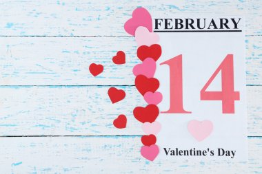 Sevgililer günü, 14 Şubat takvim ahşap arka plan üzerinde