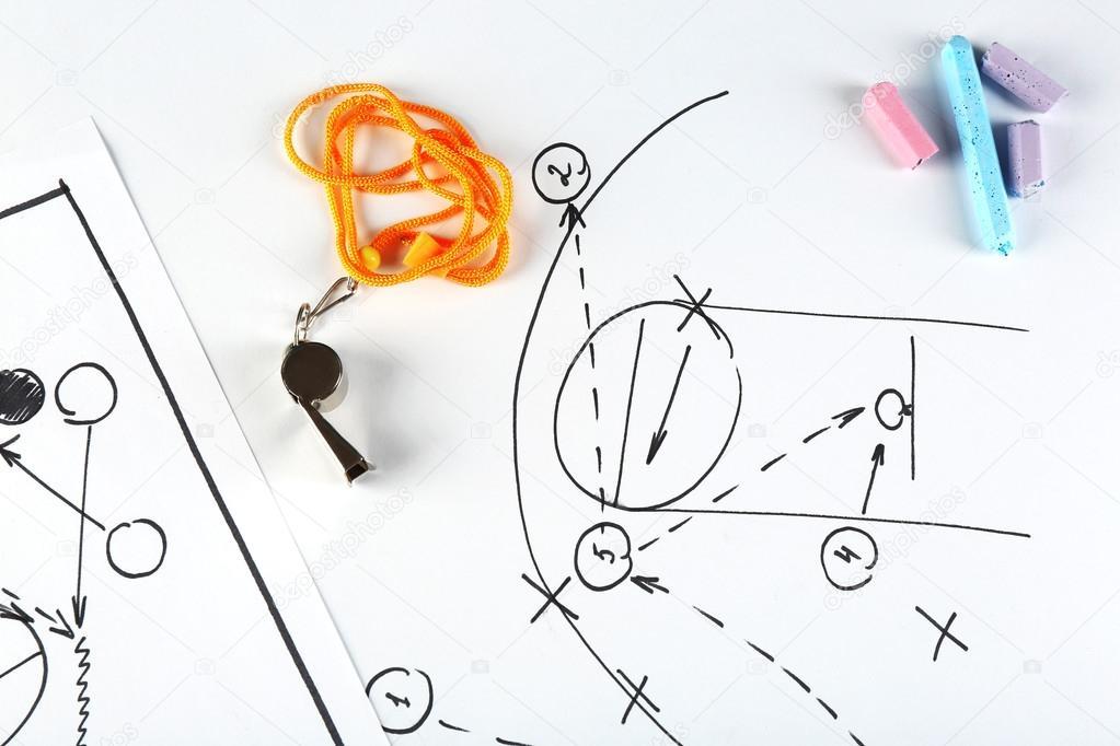 Juego de baloncesto de esquema en la hoja de papel — Fotos de Stock ...