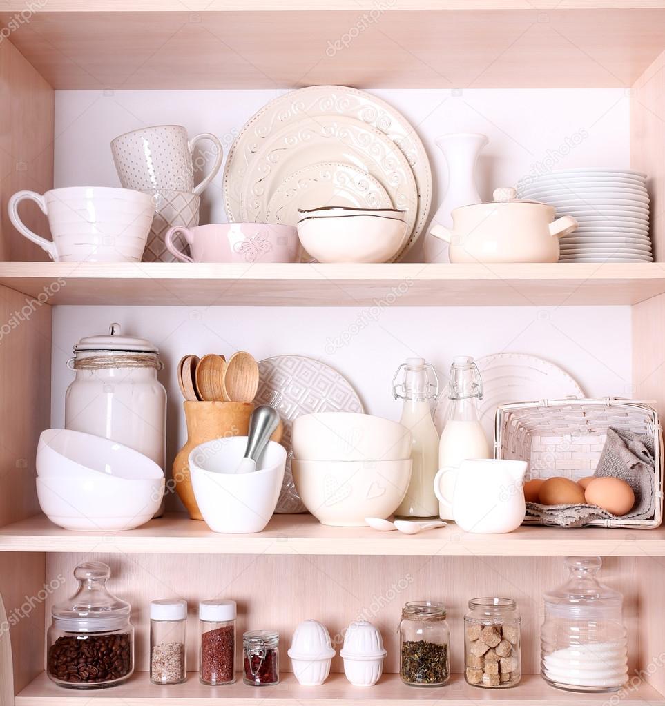 чем отличается кухонная посуда от столовой