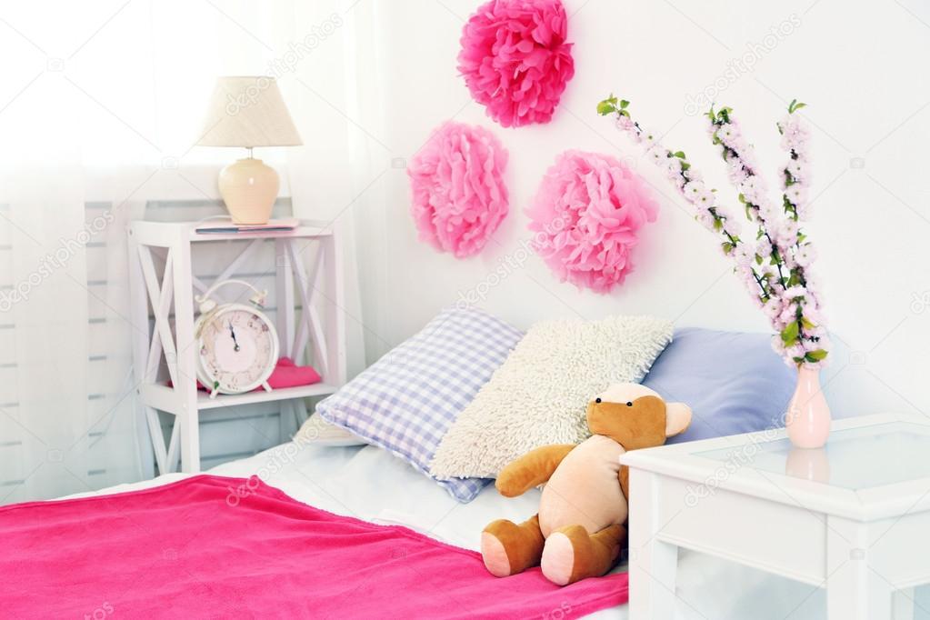 https://st2.depositphotos.com/1177973/7296/i/950/depositphotos_72969105-stockafbeelding-mooie-roze-meisjes-slaapkamer.jpg