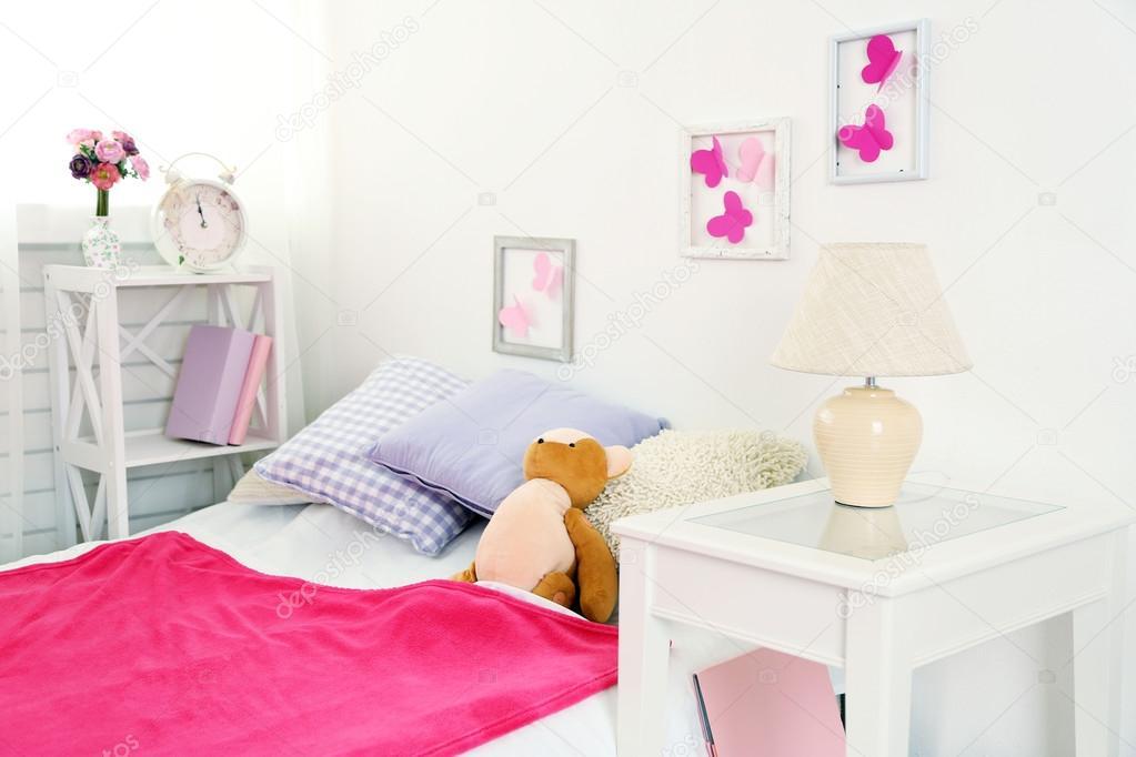 https://st2.depositphotos.com/1177973/7323/i/950/depositphotos_73238721-stockafbeelding-mooie-roze-meisjes-slaapkamer.jpg
