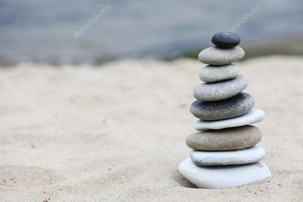 zen piedras equilibrio foto de stock - Piedras Zen
