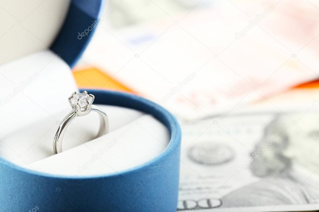Wedding ring in box — Stock Photo © belchonock #75530743