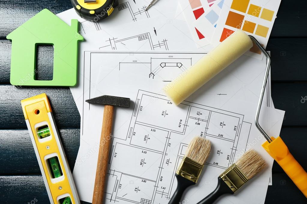 instrumentos de construcción, plan, las muestras de color y pinceles ...