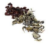 Různé druhy bylinných čajů a bylin