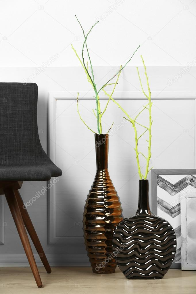 Moderne Vasen moderne vasen im zimmer erdgeschoss stockfoto belchonock 83915610