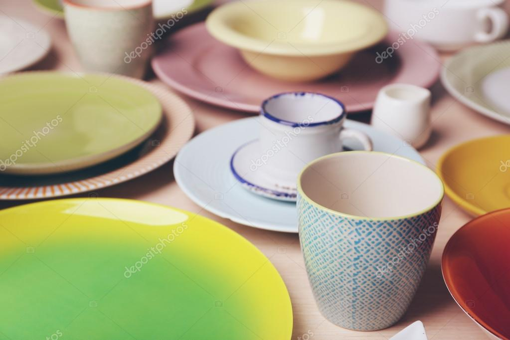 Set of colourful plates u2014 Stock Photo : colourful tableware - pezcame.com