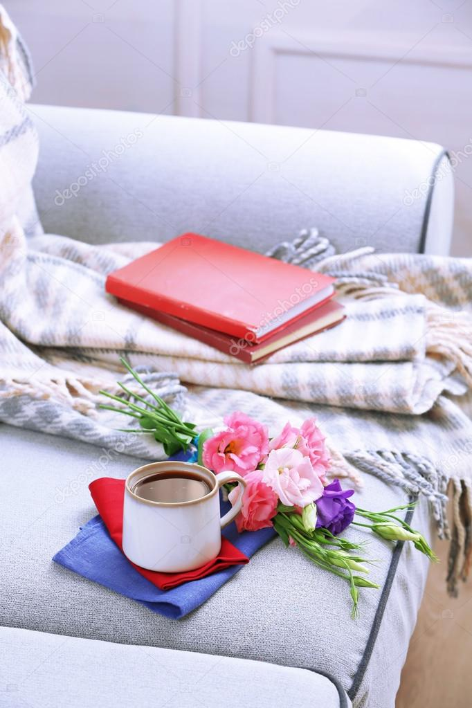 Cup of coffee with flowers near books — Stock Photo © belchonock ...