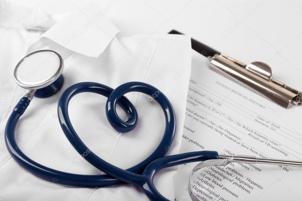 A forma di cuore blu stetoscopio cartella clinica e for Piani domestici a forma di t