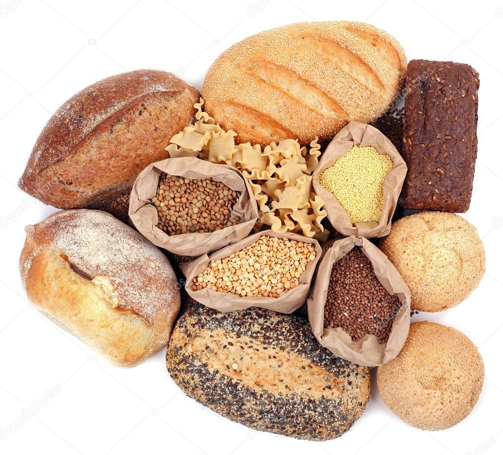 Diversi tipi di pane pasta e cereali foto stock - Diversi tipi di trecce ...