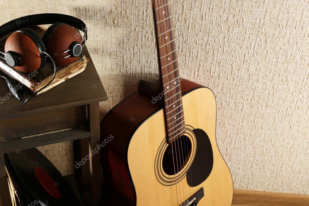 Modi per suonare la chitarra wikihow