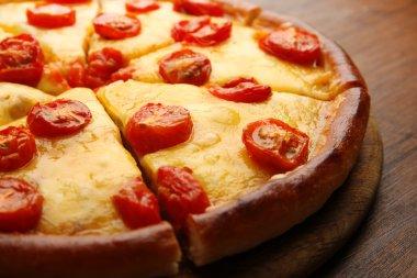 Chopped Margherita pizza, close-up