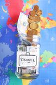 Risparmio per il viaggio in banca di vetro
