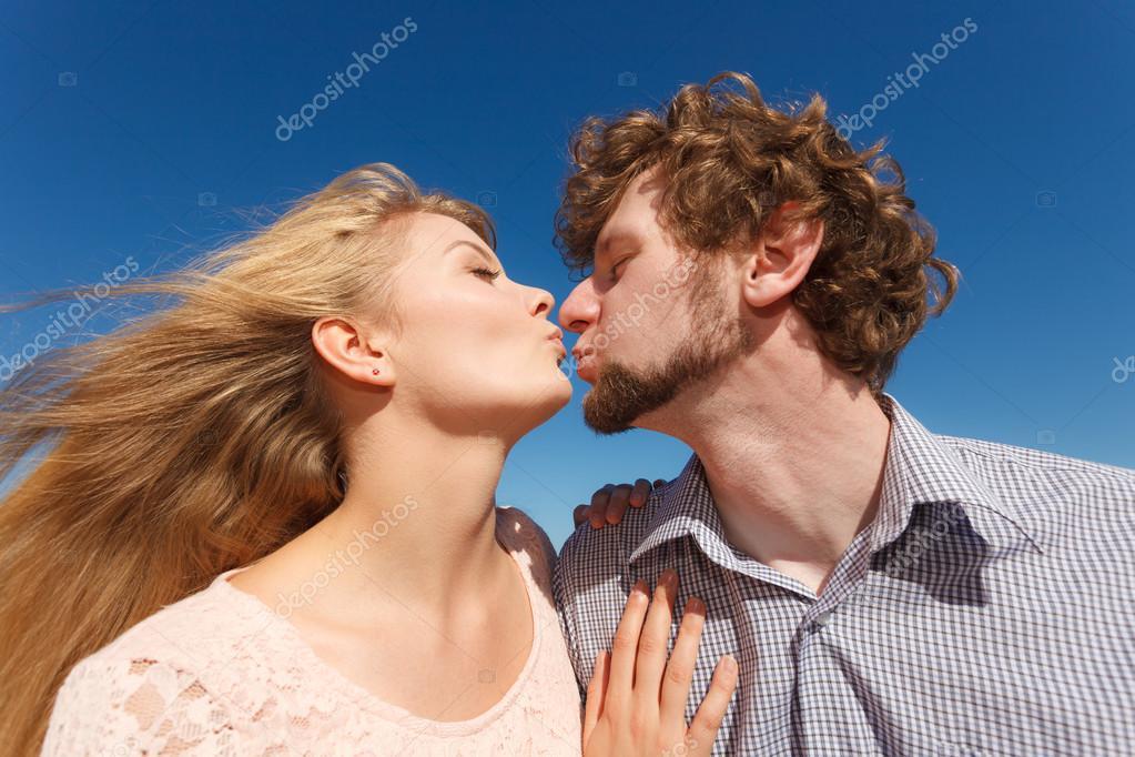 Любовь, знакомства поцелуй знакомства для замужних женщин и женатых мужчин