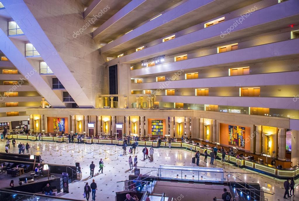 Hotel luxor di las vegas foto editoriale stock - Hotel las gaunas en logrono ...
