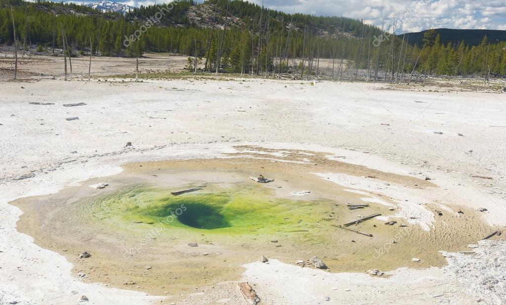 Geothermal pool in Yellowstone