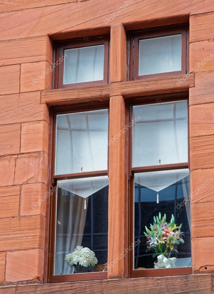 Drewniane Okna Z Doniczki W Starego Miasta Glasgow Zdjęcie