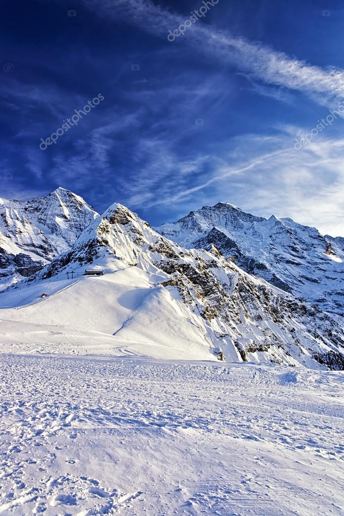 sommets des alpes suisses la r gion de la jungfrau en hiver photographie erix2005 59547637. Black Bedroom Furniture Sets. Home Design Ideas