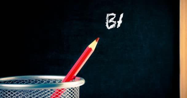 animáció a ceruza és a blackboard keret az írt vissza az iskolába, oktatási koncepció