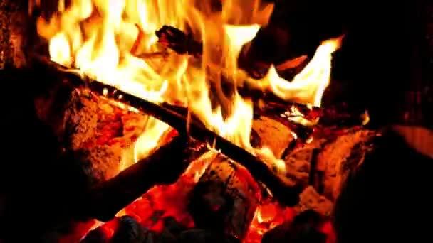 Klip krb s středně velké plameny