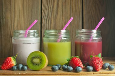 detox fruity smoothies