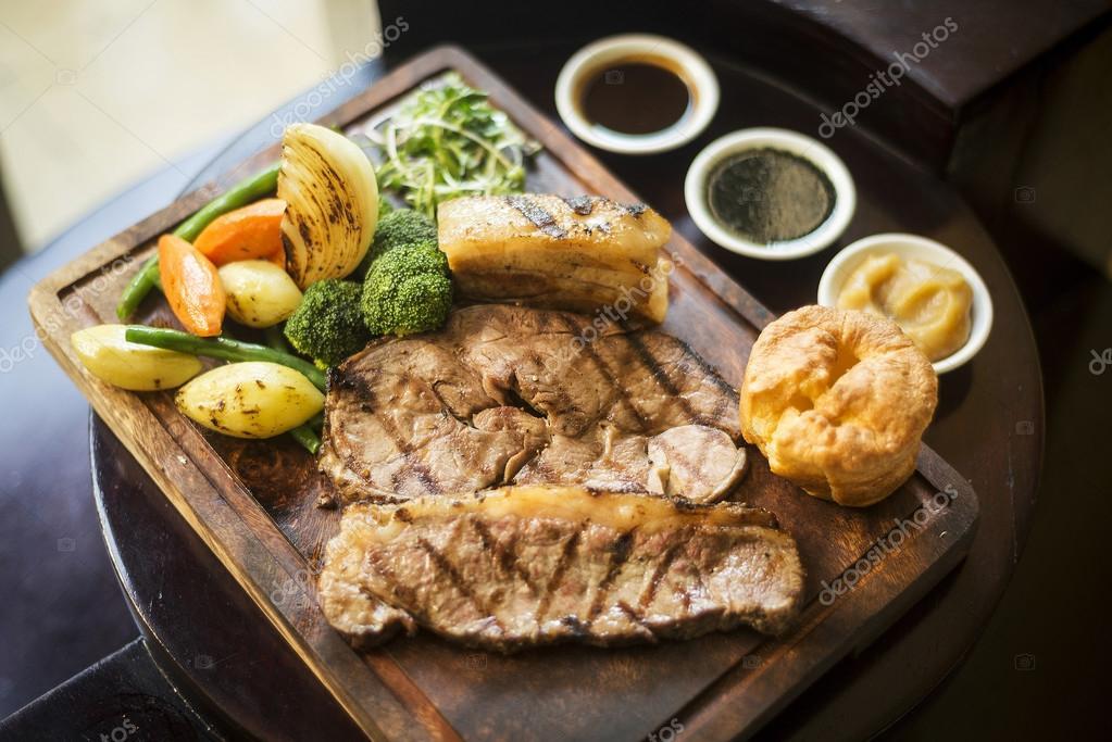 pranzo della cucina tradizionale inglese domenica arrosto in ...