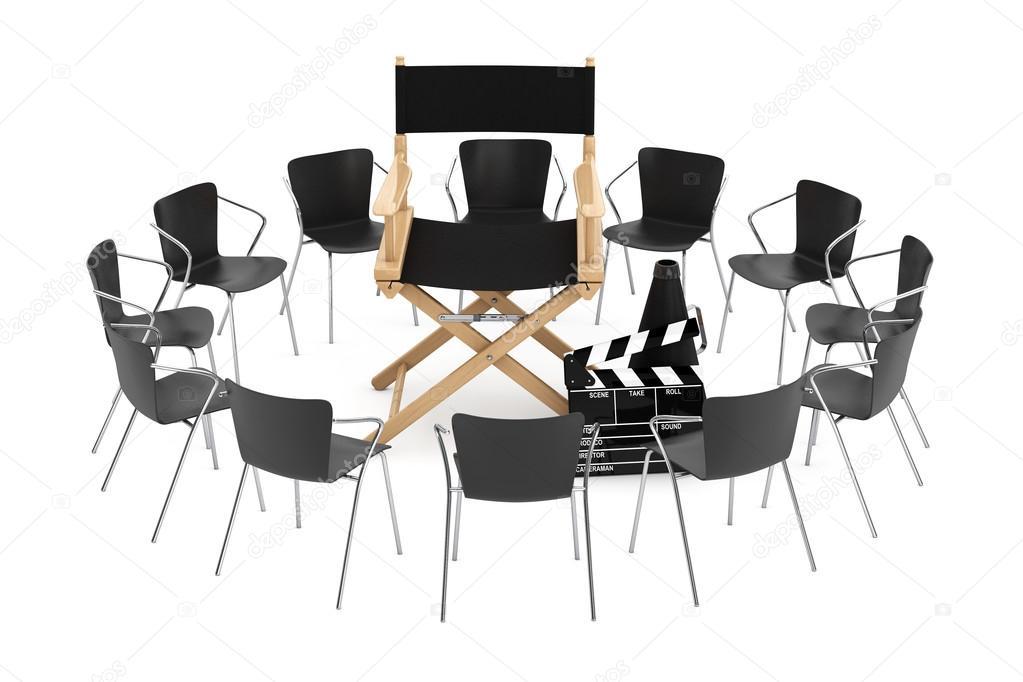 Chaises de bureau autour de chaise réalisateur cinéma — Photographie ...